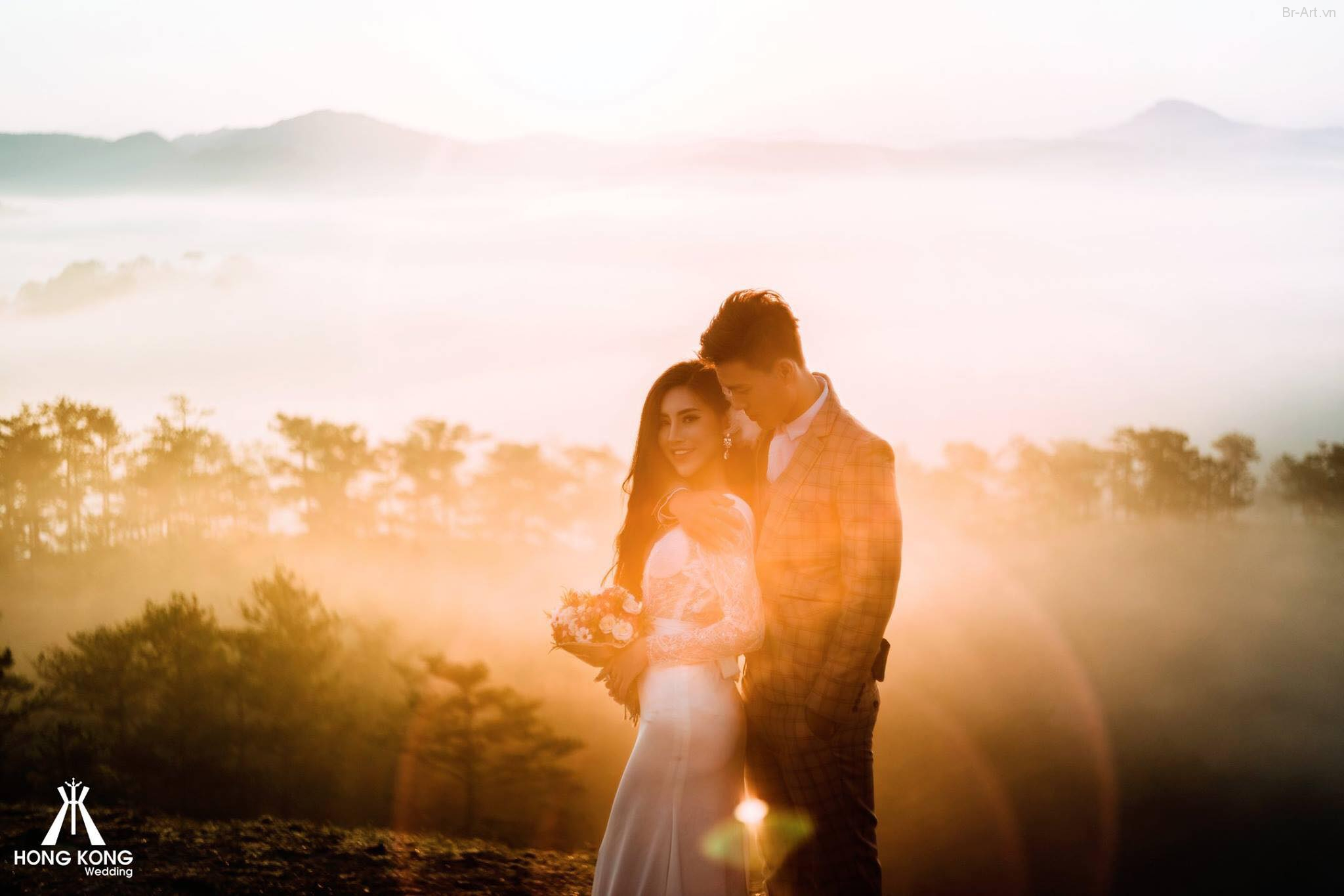 Ảnh Cưới Đà Lạt Ngược Nắng Trong Sương Mù. Chùm ảnh cưới ngược nắng rất đẹp của cặp đôi trên Đà Lạt.